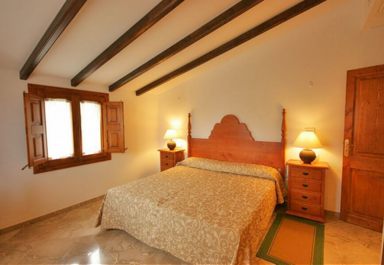 Dormitorio de la finca en Petra Mallorca