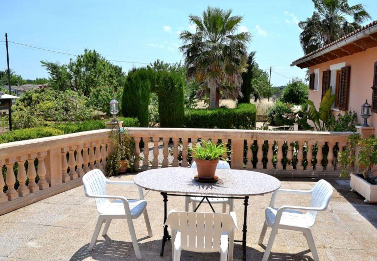 La finca que esta en Inca Mallorca tiene unas bonitas vistas