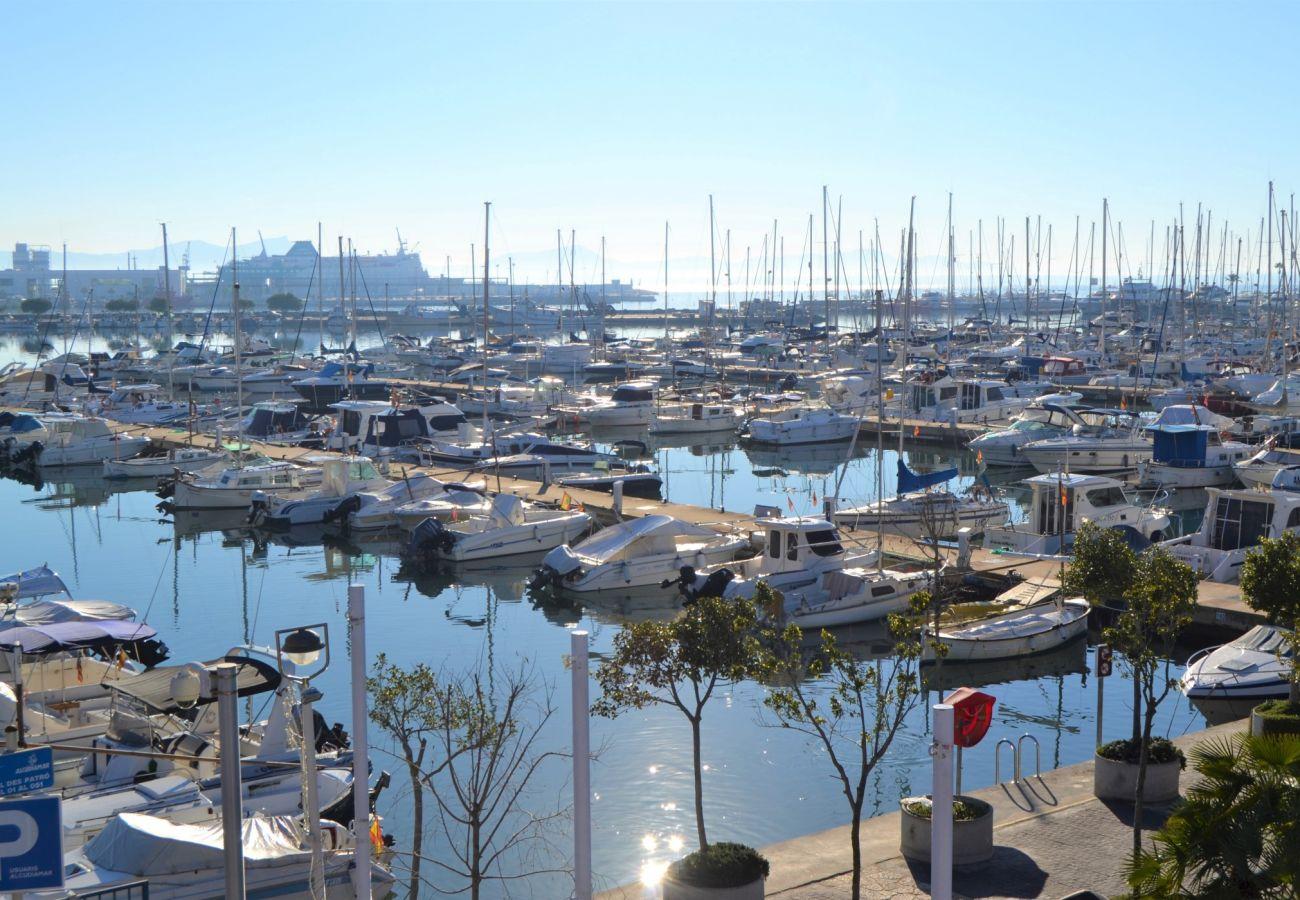 Vistas del puerto de alcudia desde el apartamento