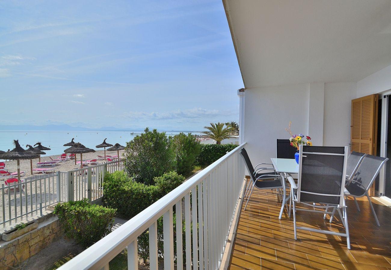 Vista del mar desde el apartamento en Puerto de Alcudia