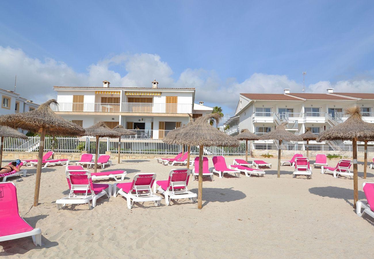 Vista del apartamento en Puerto de Alcudia desde la playa