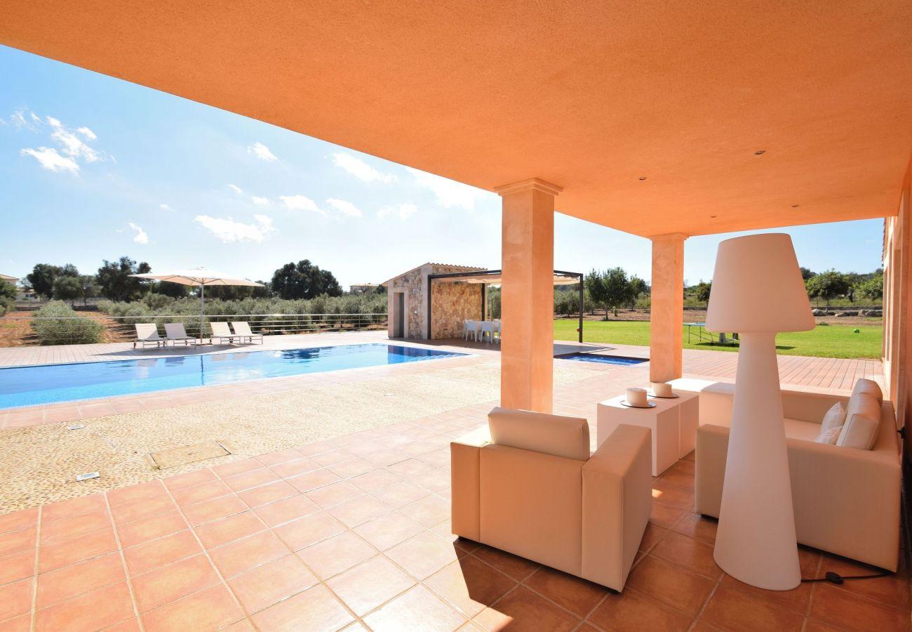 Terraza de la villa en Can Picafort