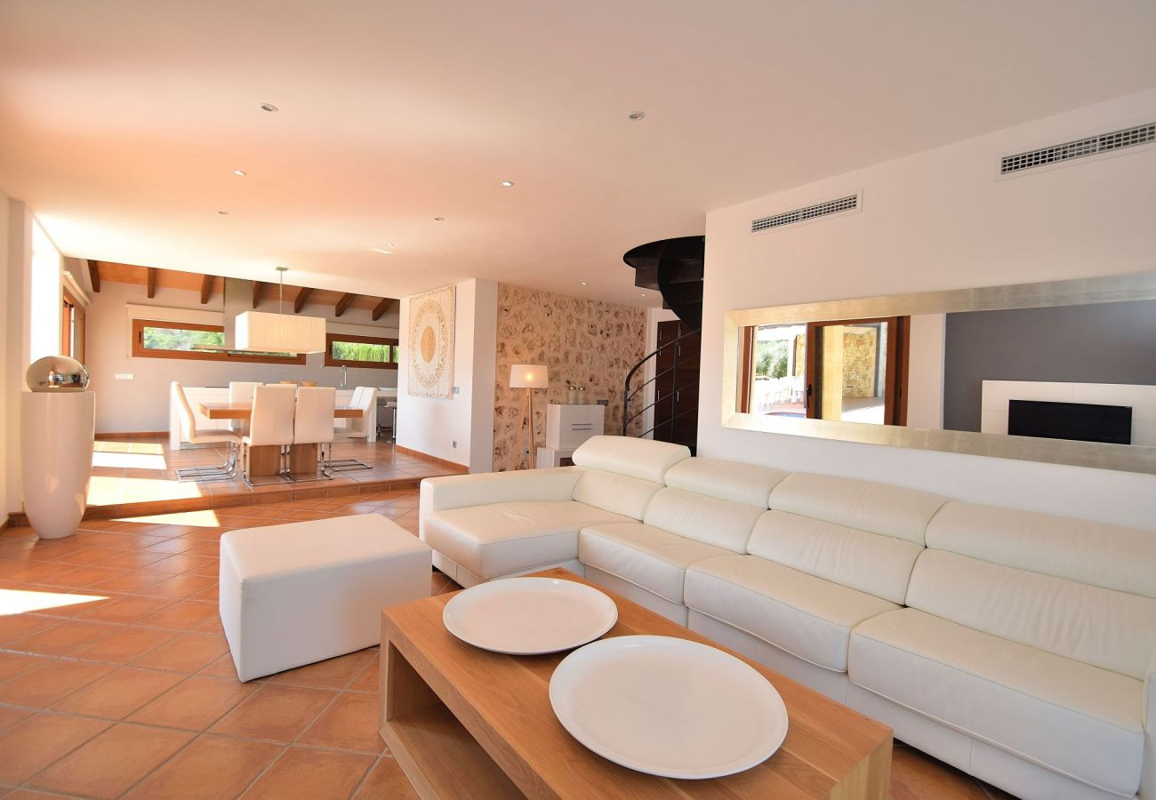 Foto del sofá de la villa Can picafort