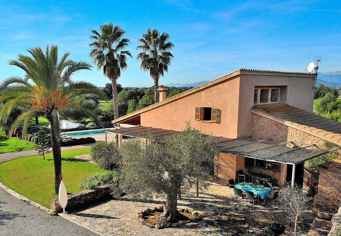 Foto de la entrada de la villa en Muro para 6 personas