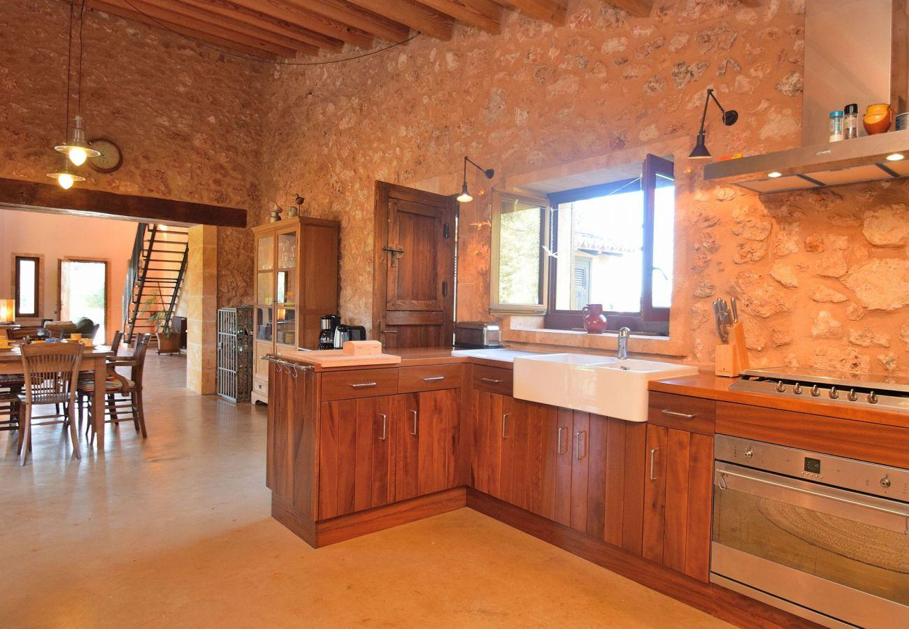 Cocina de la villa en Muro