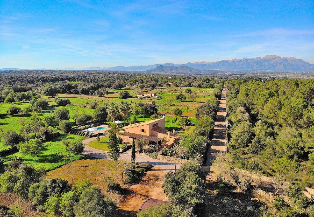 Foto aerea de la villa de muro