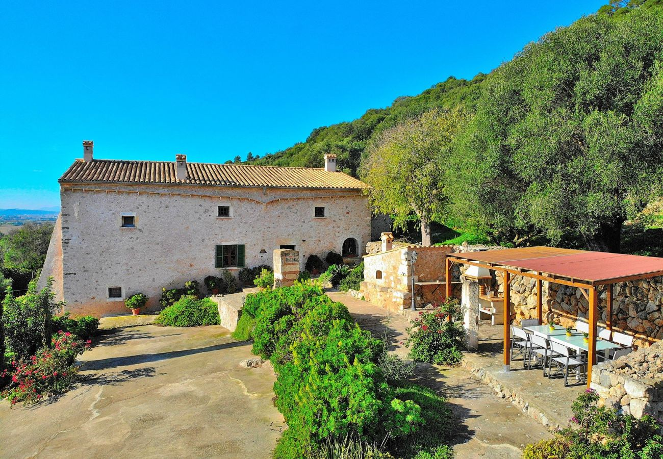 Villa en Alcudia con piscina y vistas a la montaña