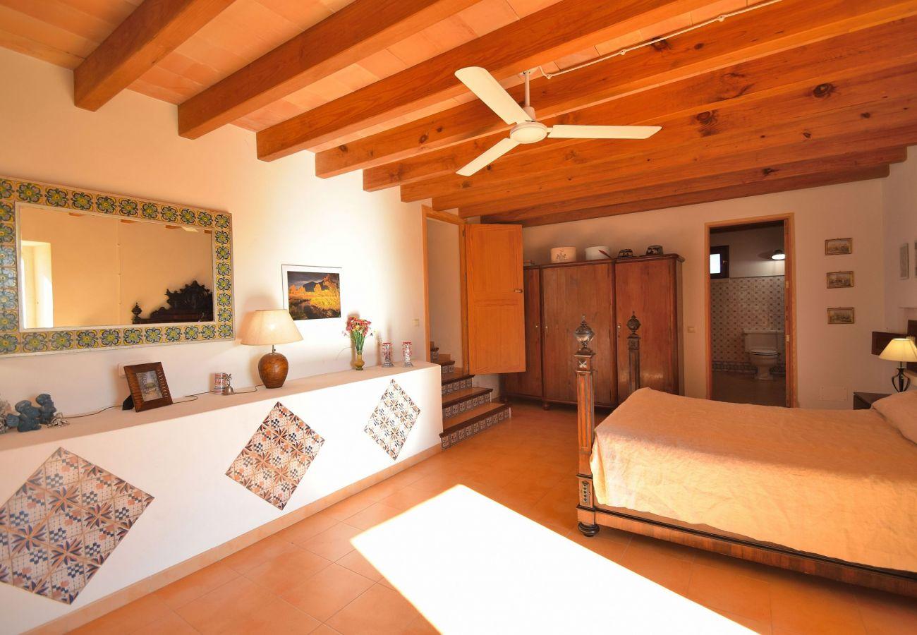 Foto de una de las habitaciones de la villa en Alcudia