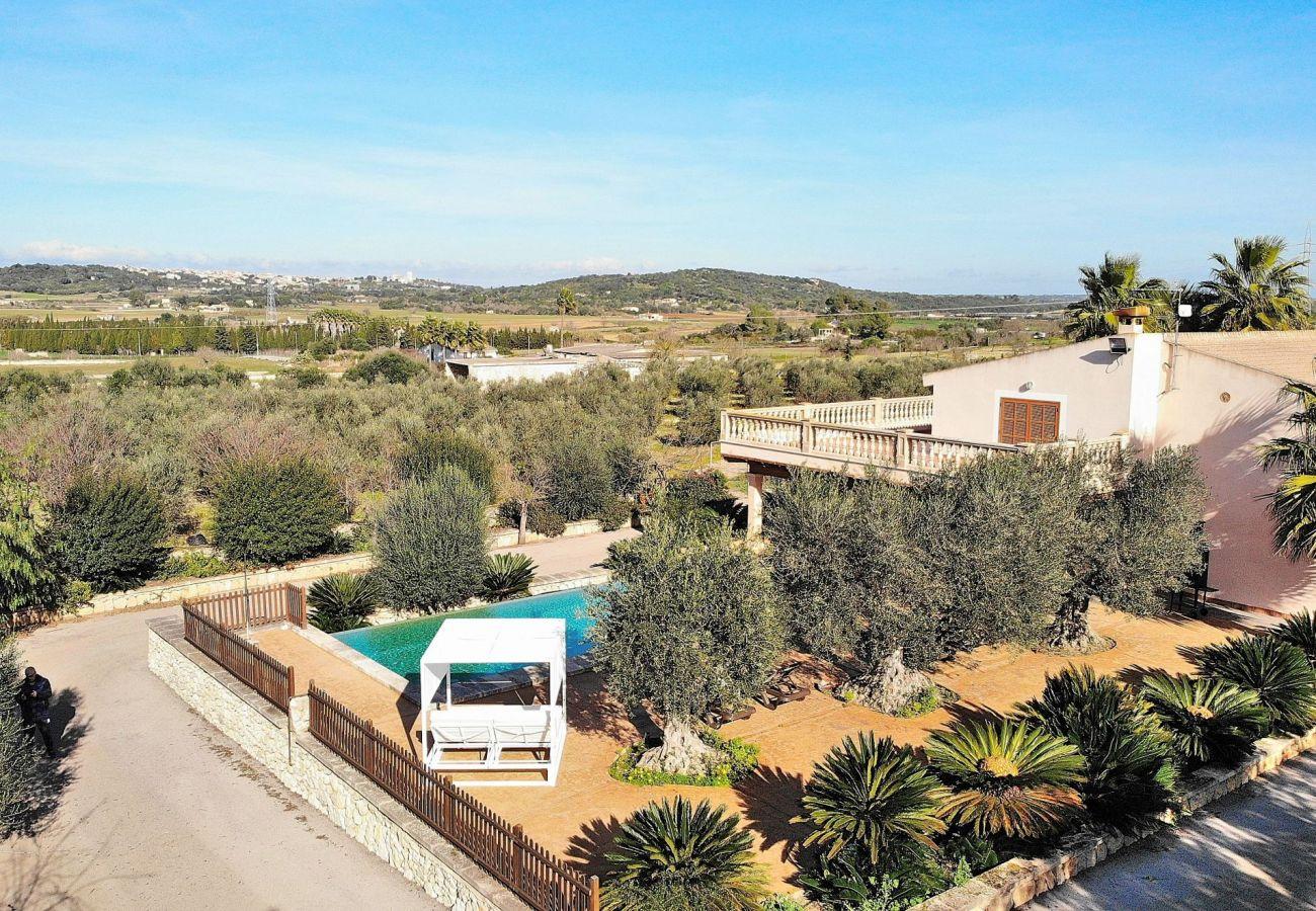Foto aerea de la villa en sineu
