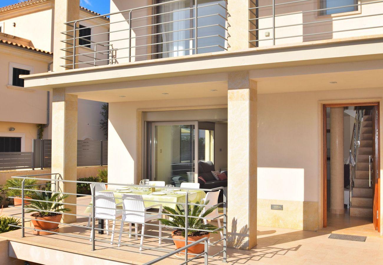 Entrada de la villa en Mallorca Can Picafort