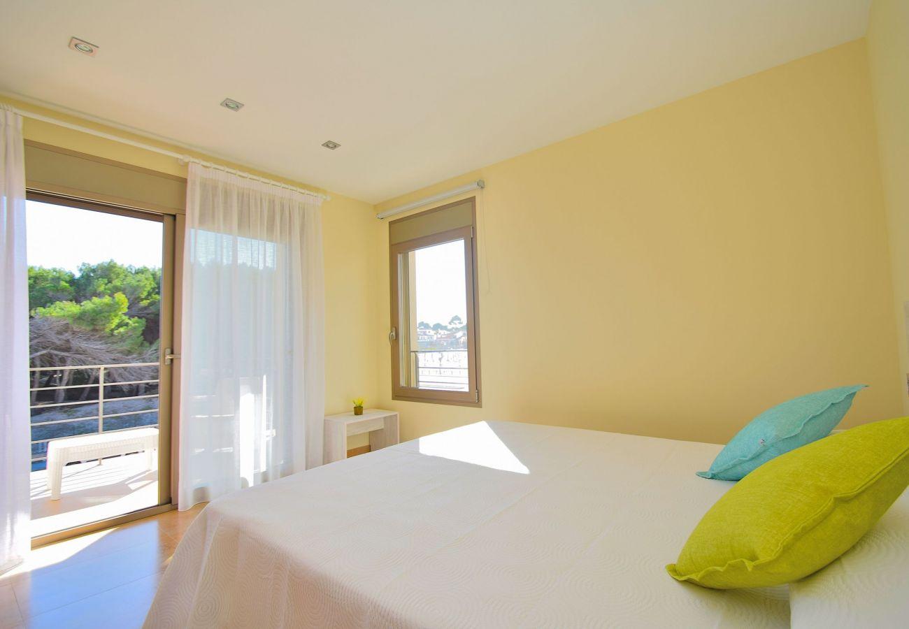 Dormitorio de la villa en mallorca can picafort de lujo