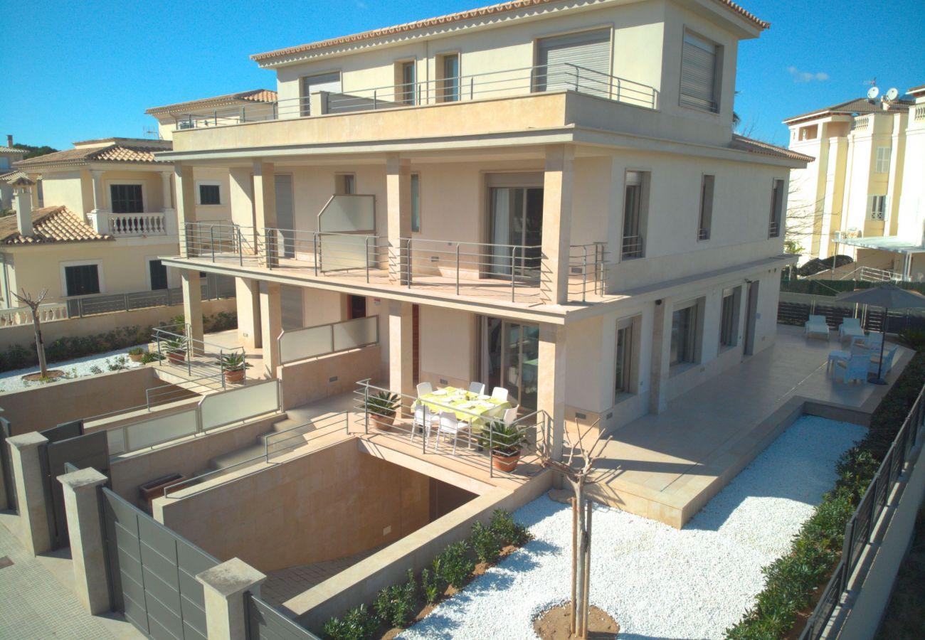 vista aerea de la villa de mallorca can picafort