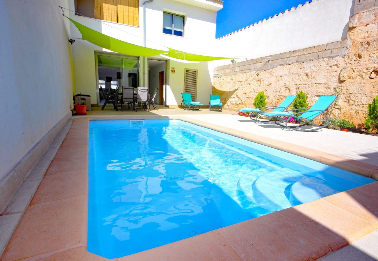Foto vom Pool des Dorfhauses in Muro Mallorca