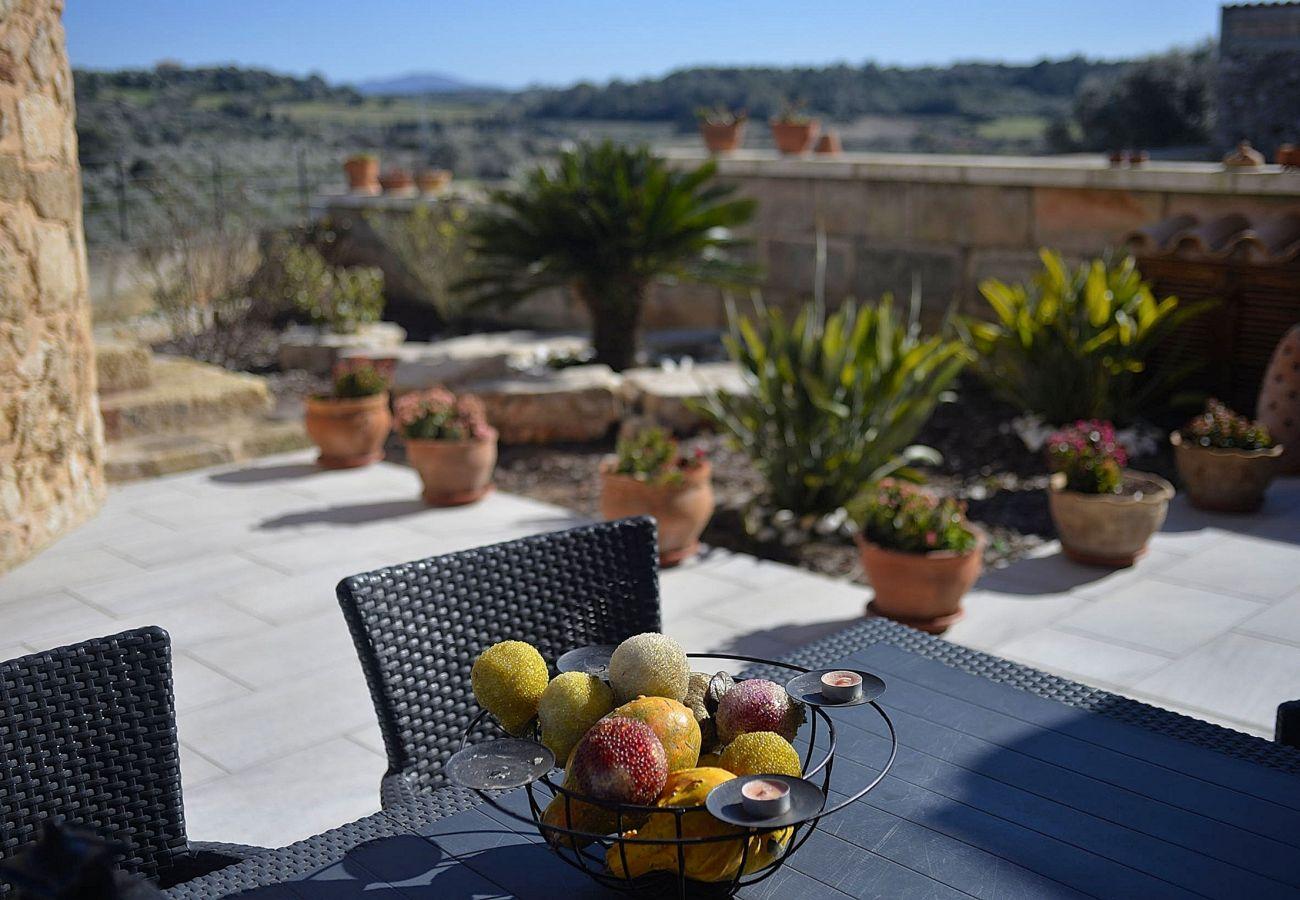 vFoto des Badezimmers vom Ferienhaus von Muro Mallorca