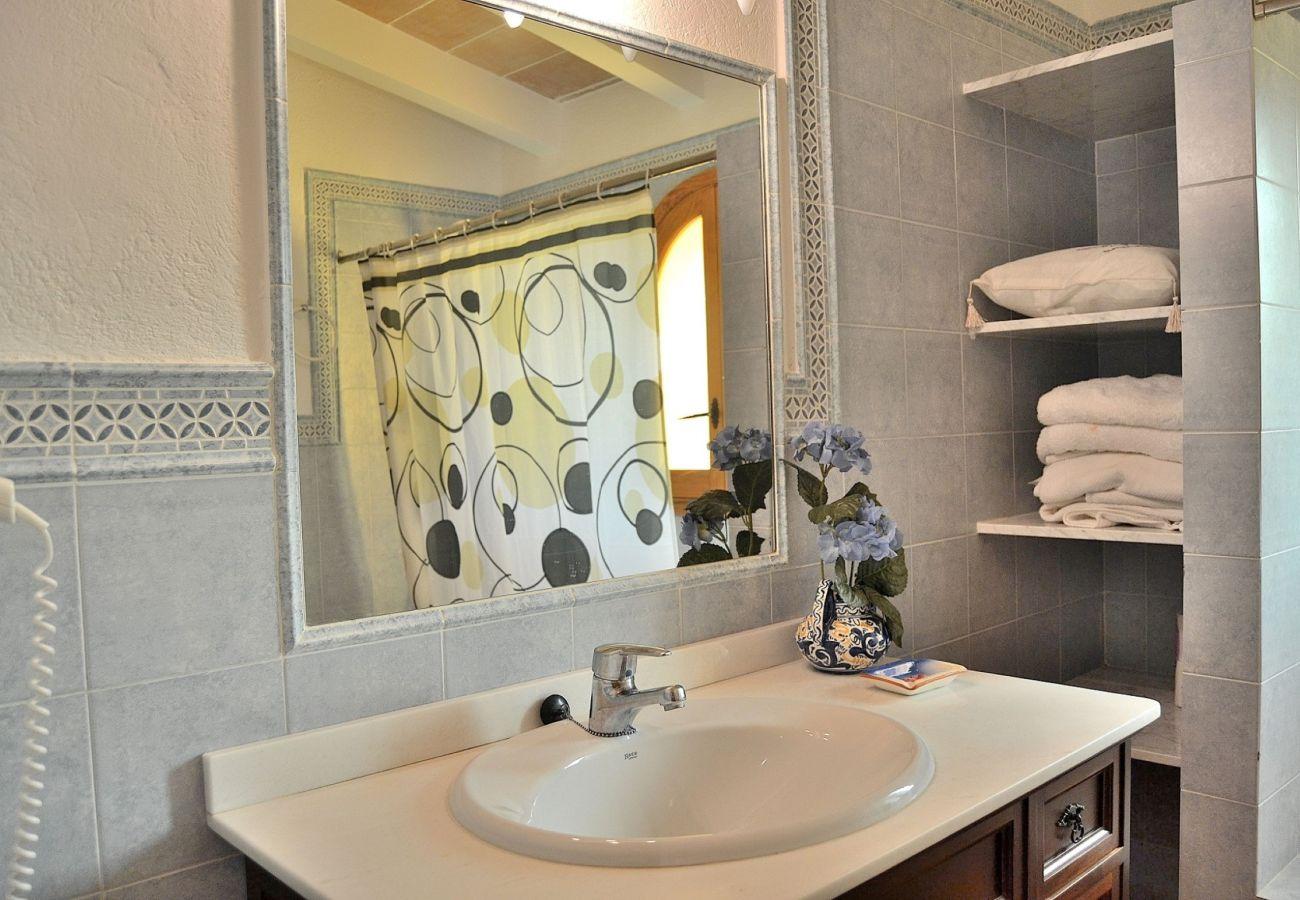Foto des Badezimmers von der Finca in Pollensa