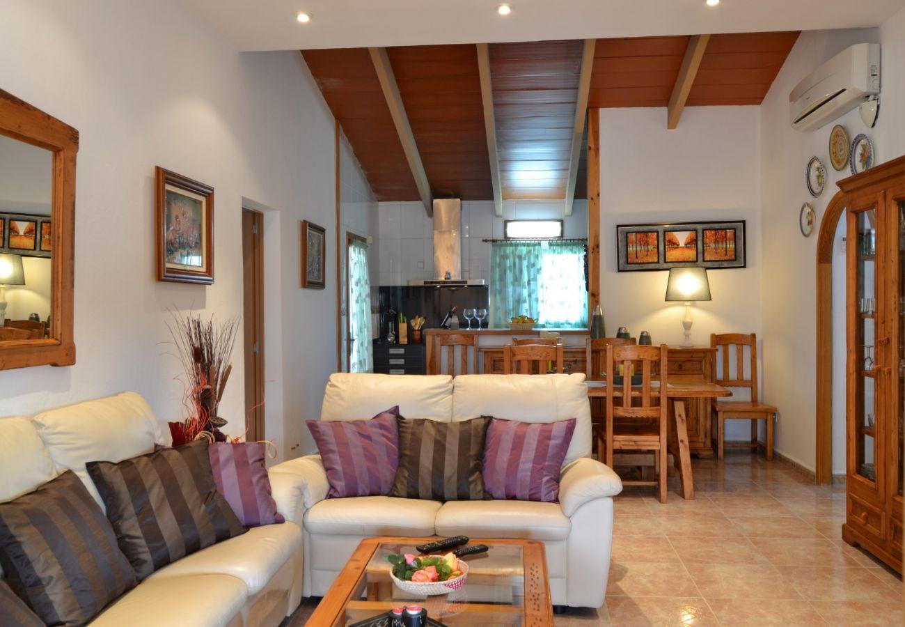 Private Finca Mallorca mit geräumigem Wohnzimmer