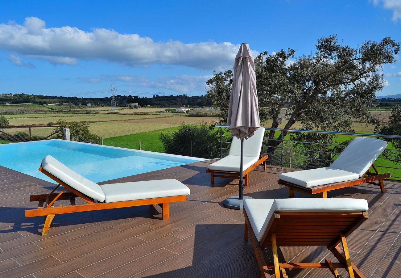 Ab 100€ pro Tag können Sie ein Zimmer im Landhotel auf Mallorca mieten.