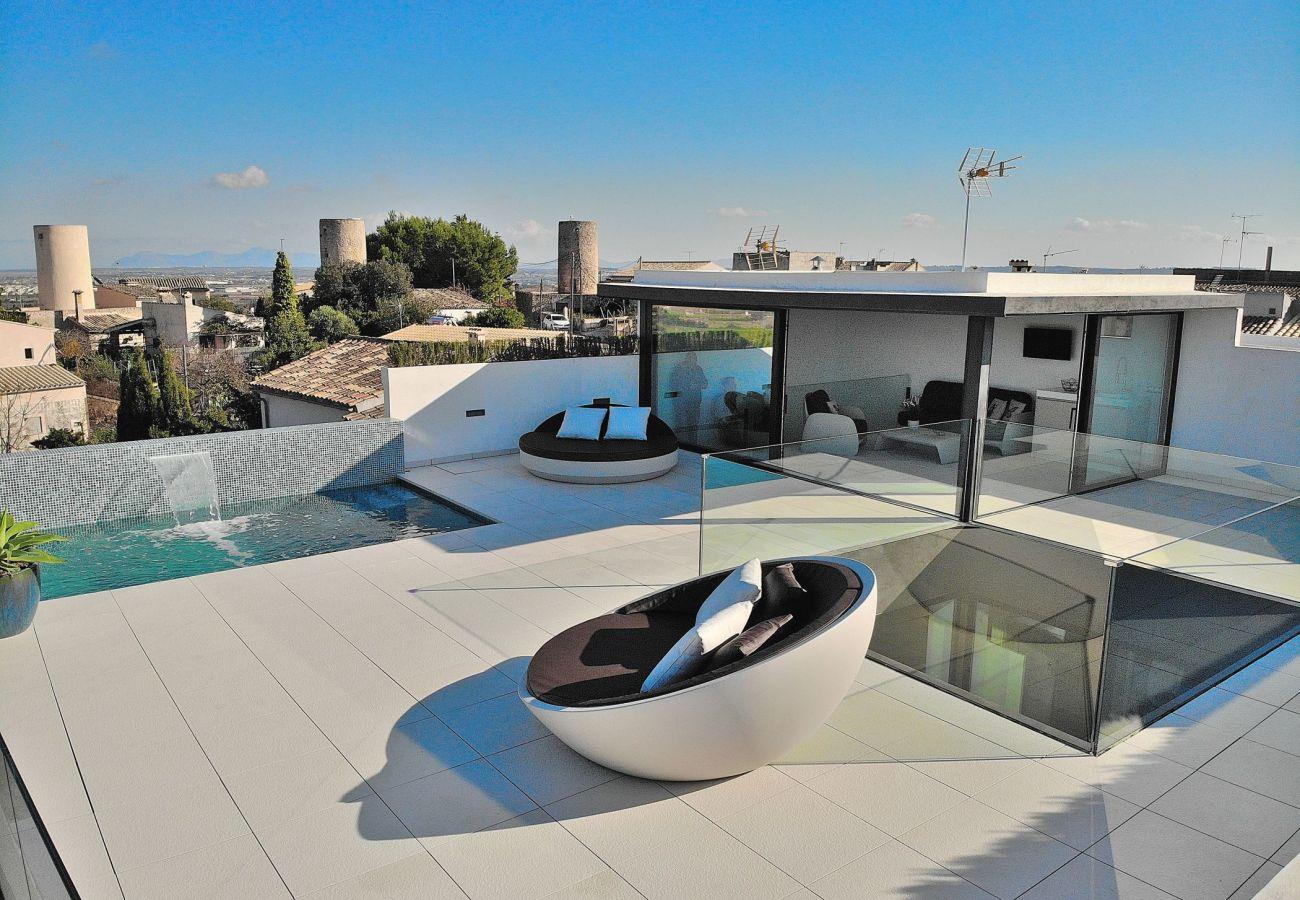 Die Finca in buger hat eine schöne Terrasse.