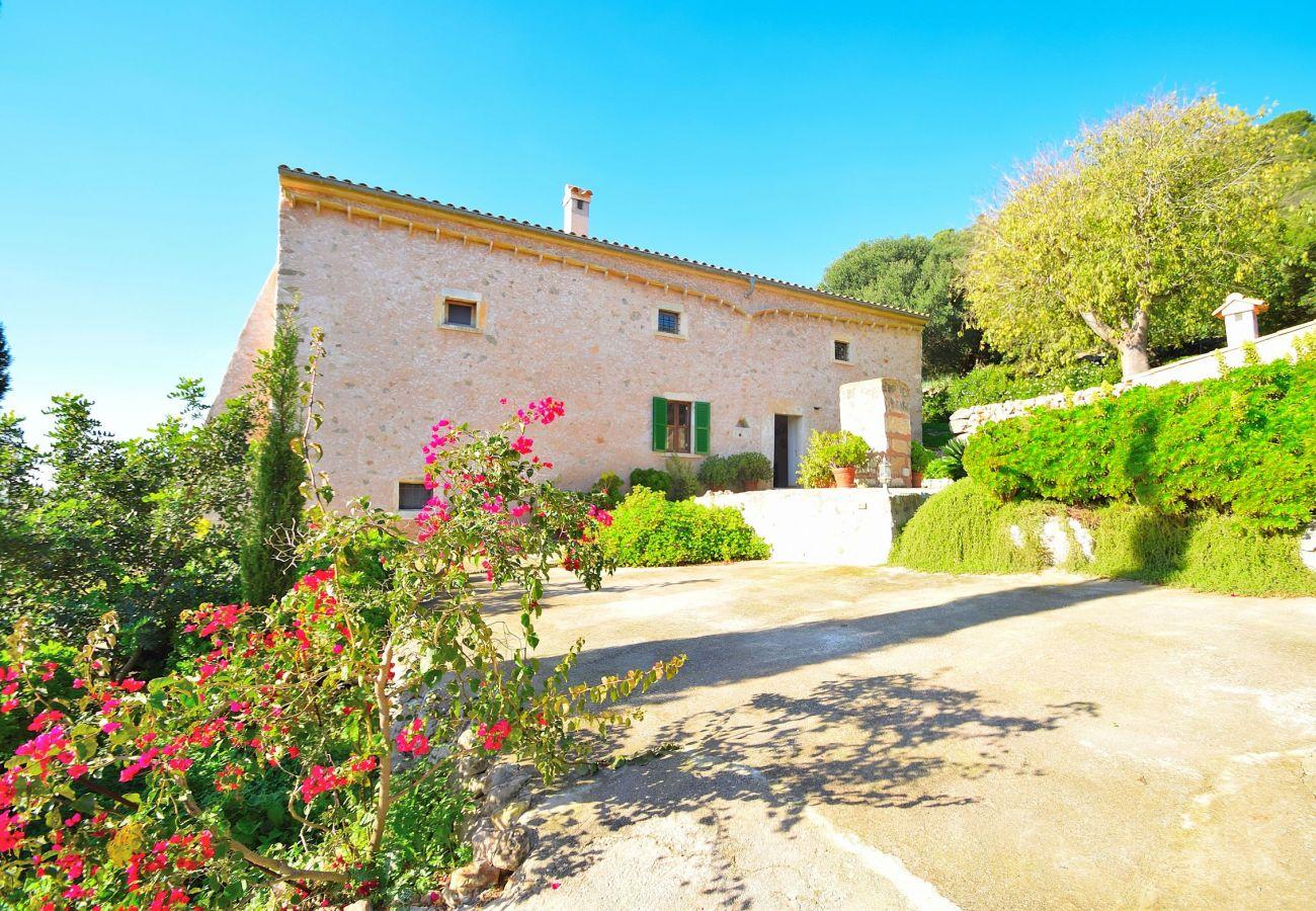 Villa in Alcudia mit Bergblick