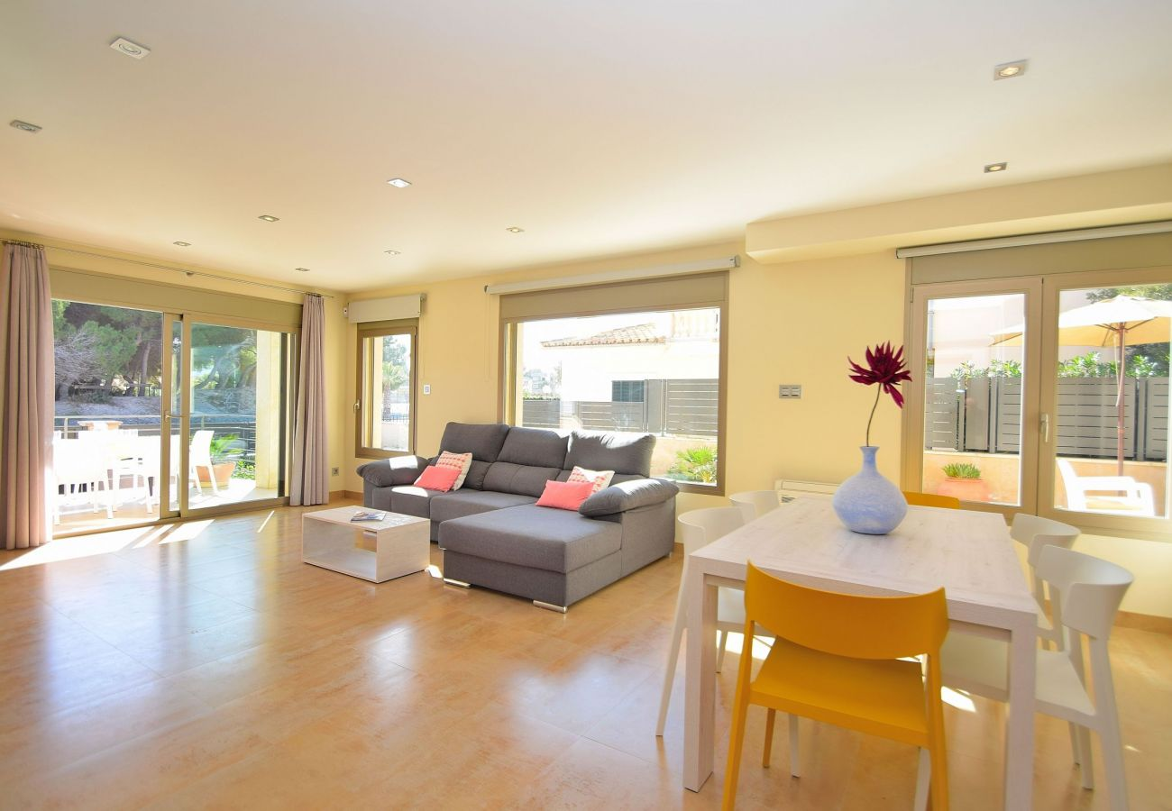 Wohnzimmer der luxuriösen Finca Mallorca Can Picafort