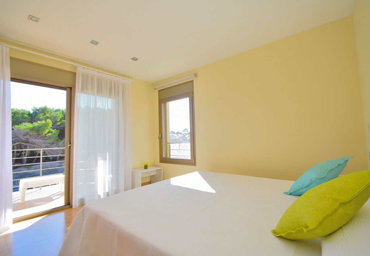Schlafzimmer der Finca auf Mallorca Can picafort Luxus