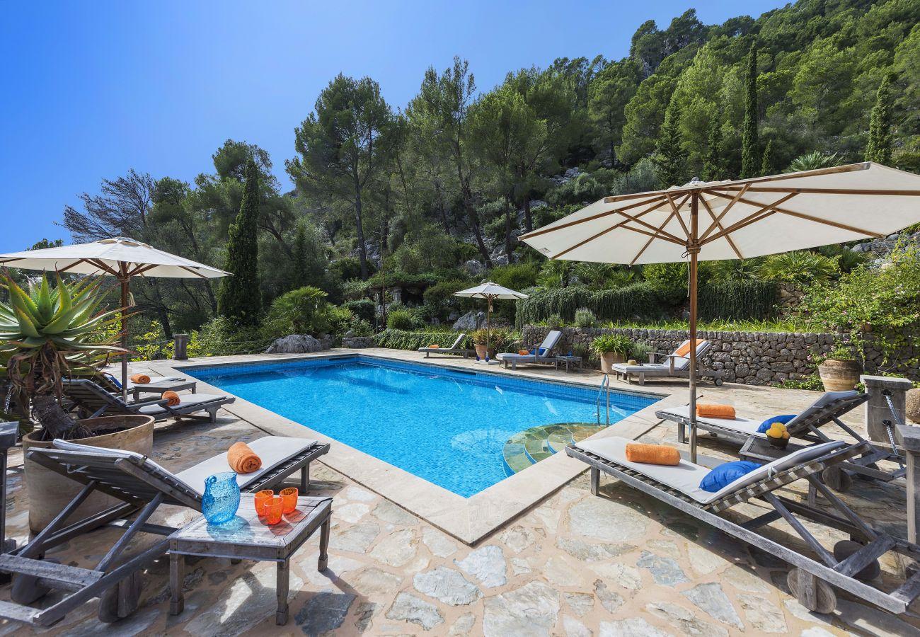 Luxus-Schwimmbad