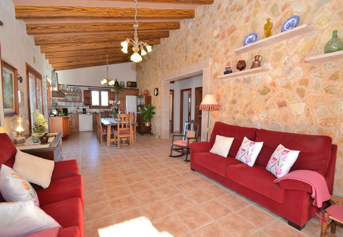 from private From 100 € per day you can rent your villa in Mallorca