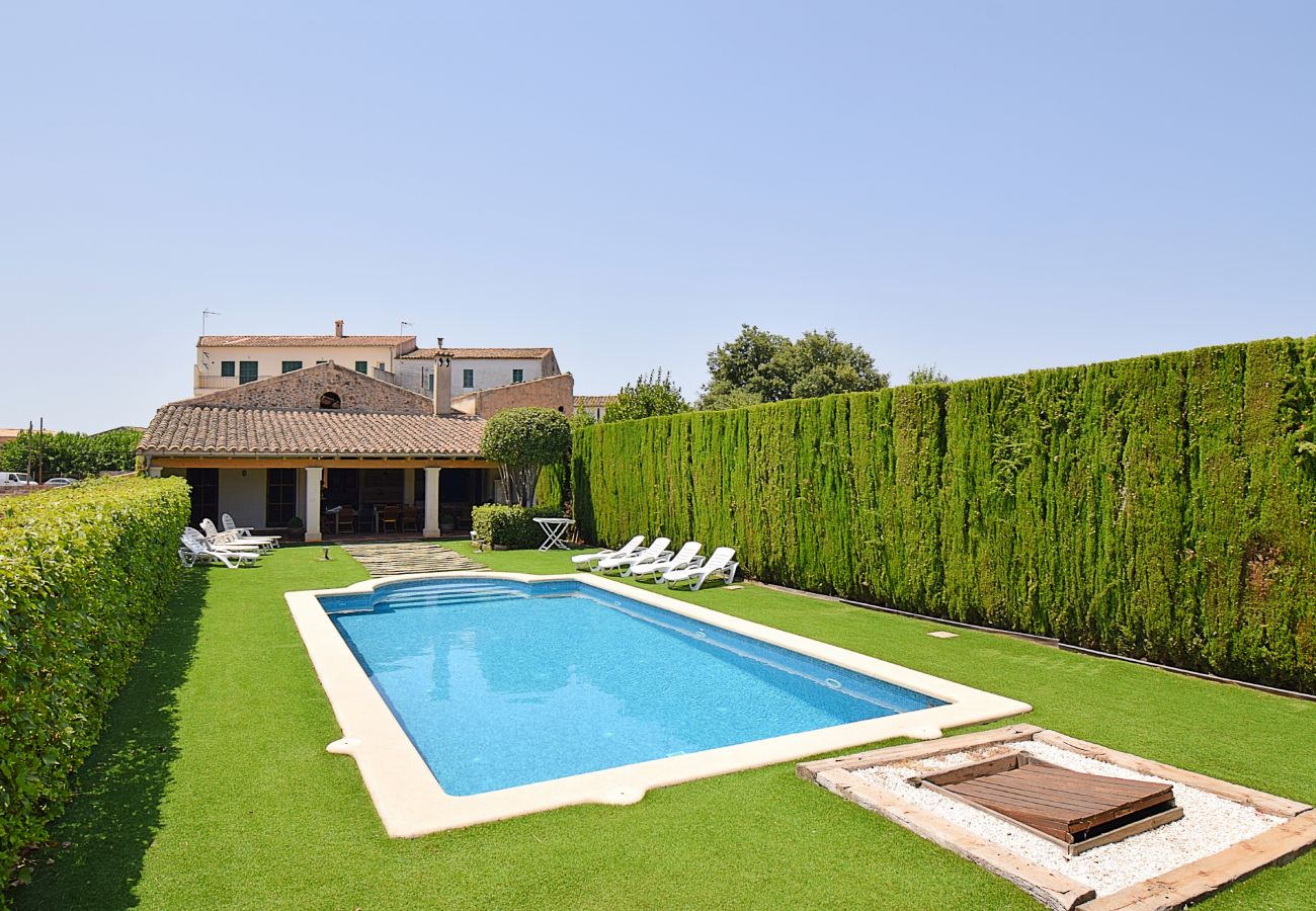 Swimming pool in a village house in Llubi Majorca for large groups