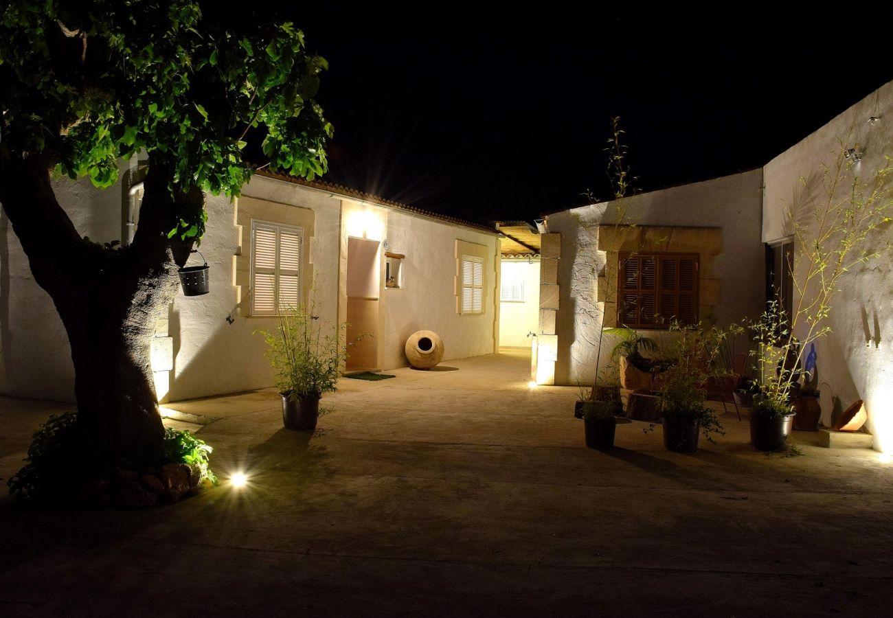 Country house in Muro - Can Butxaquí Muro finca 160