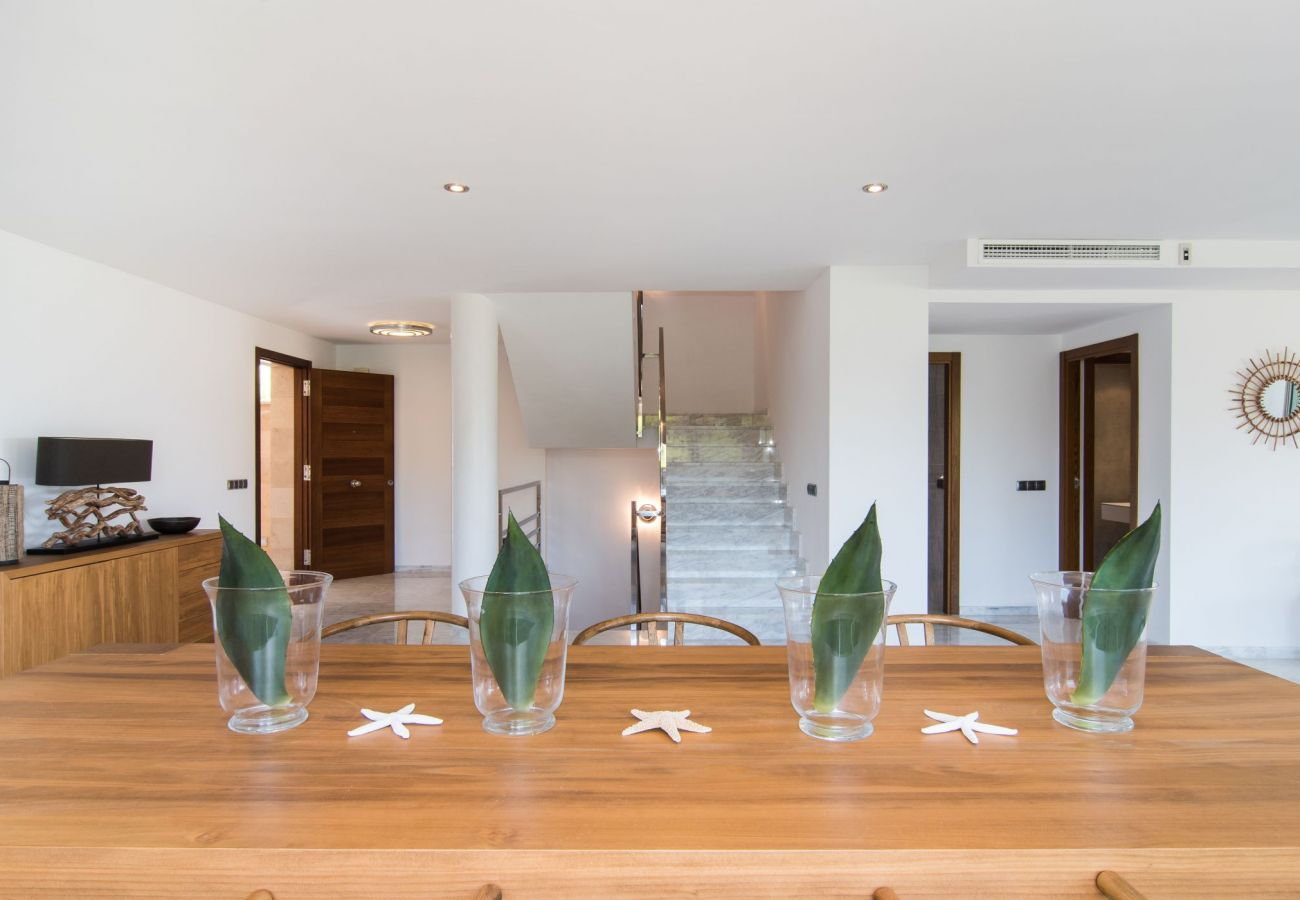 Dining room of the villa for rent in Playa de Muro