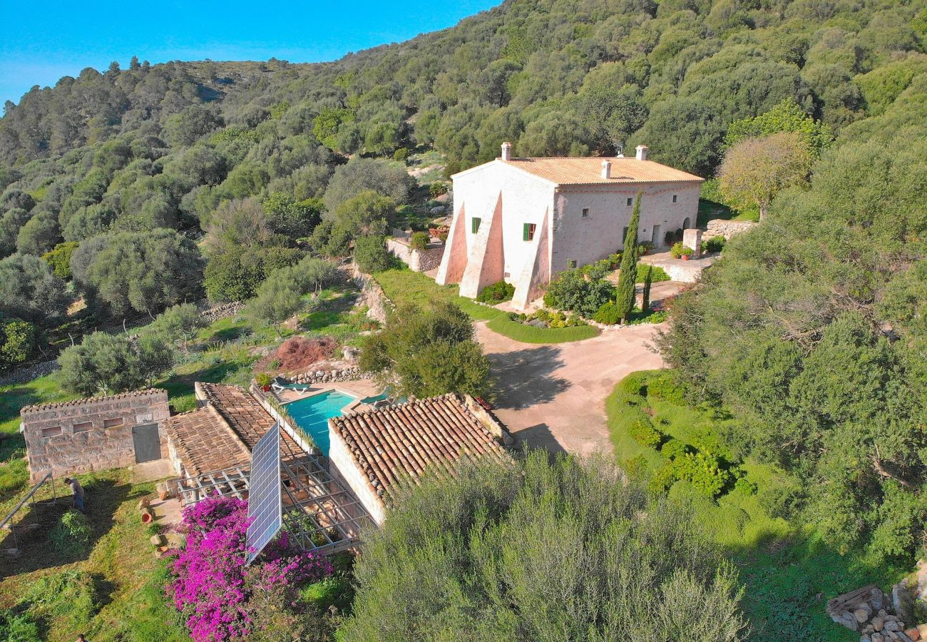 Spectacular villa in the mountain of Alcudia