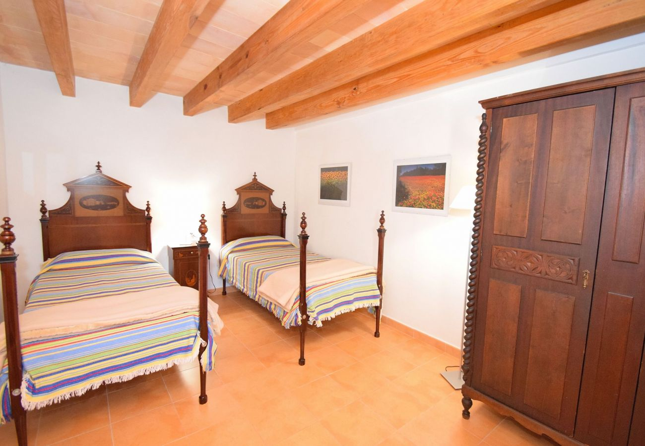 Double bedroom with views of the Alcudia mountains