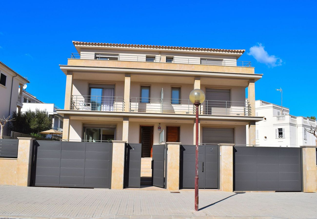 facade of the luxury villa in mallorca can picafort