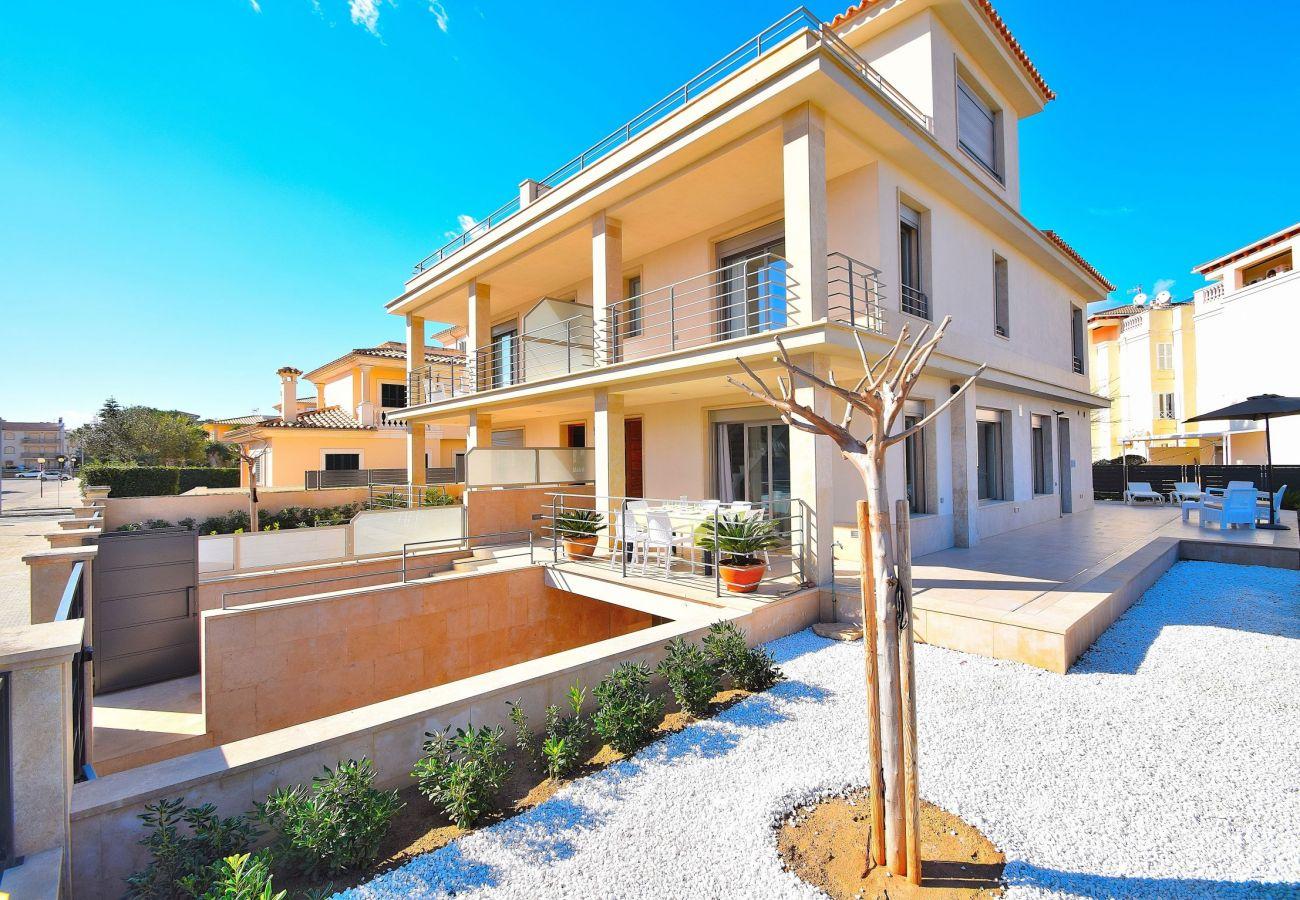luxury villa in can picafort mallorca