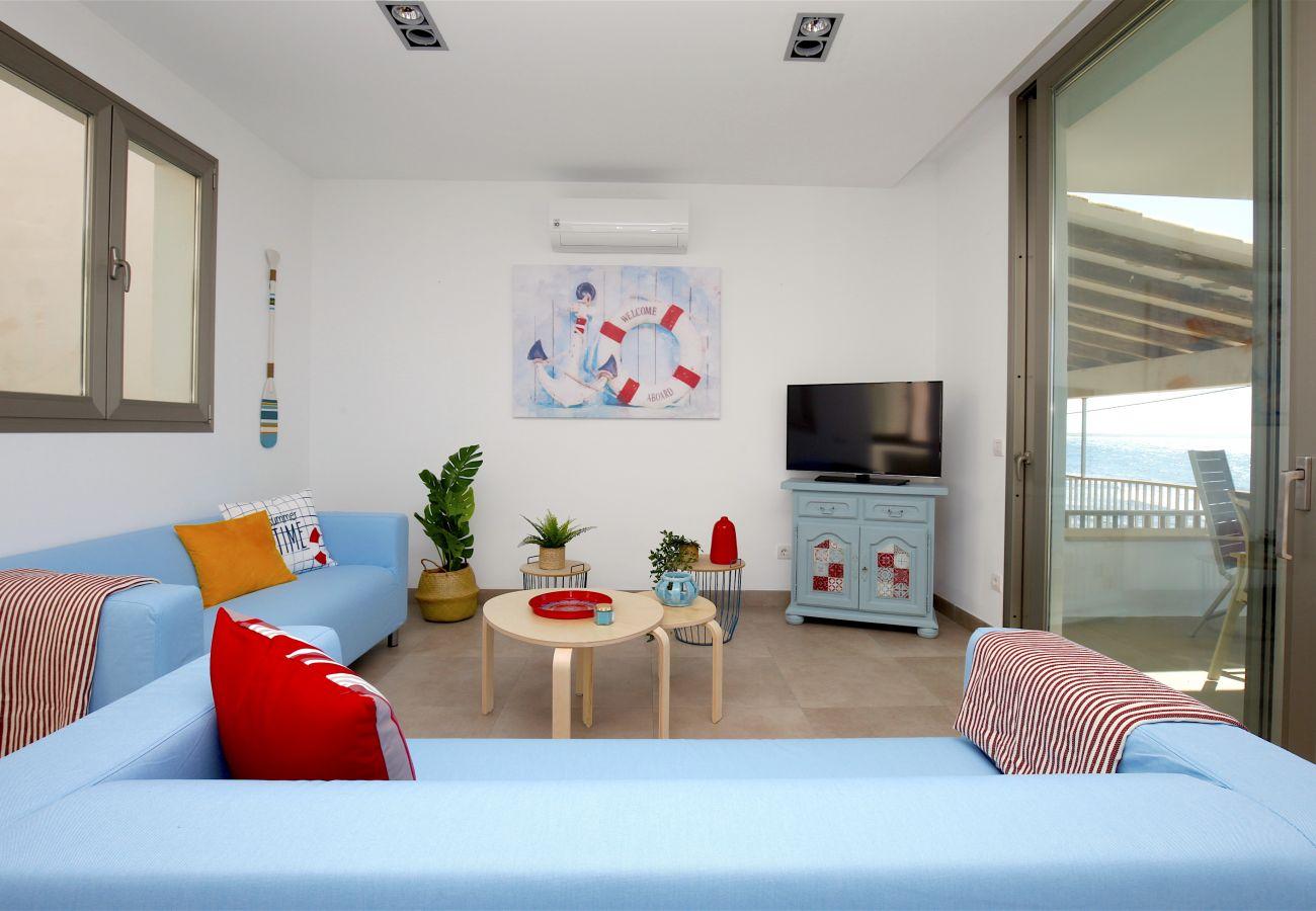 Apartment in S´Estanyol - Familiar apartamento frente al mar