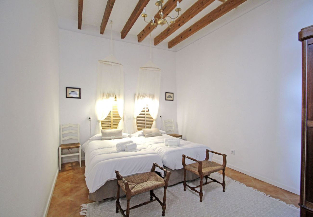 Country house in Llucmajor - Finca Buniferri - Historic house with a large Pool